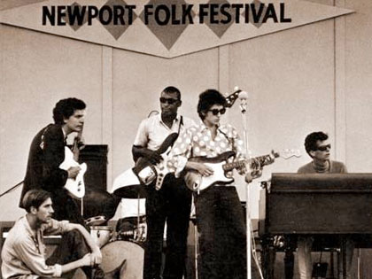 Bloomfield Backing Up Dylan at Newport Folk Festival, 1965